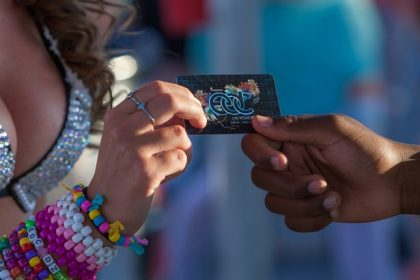 How to Buy or Resell EDC Las Vegas 2015 Tickets the Safe Way