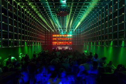 "Brazilian Club Has ""Interactive"" Lighting FX That Responds to Human Movement"