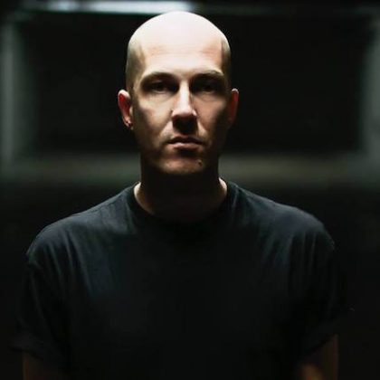 "Julian Jeweil's Intense Remix of Cuartero's ""Up to the Roof"""