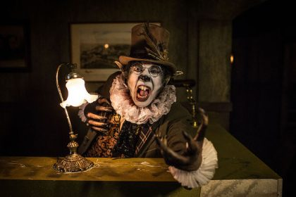 Enter a Twisted World in This Escape: Psycho Circus 2017 Video