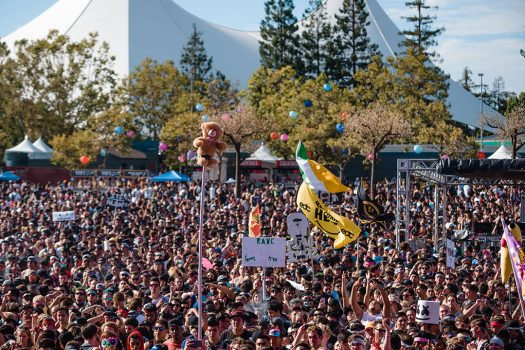 Totems above the crowd