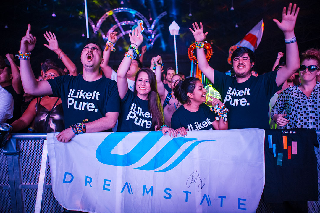 Headliners with a Dreamstate flag