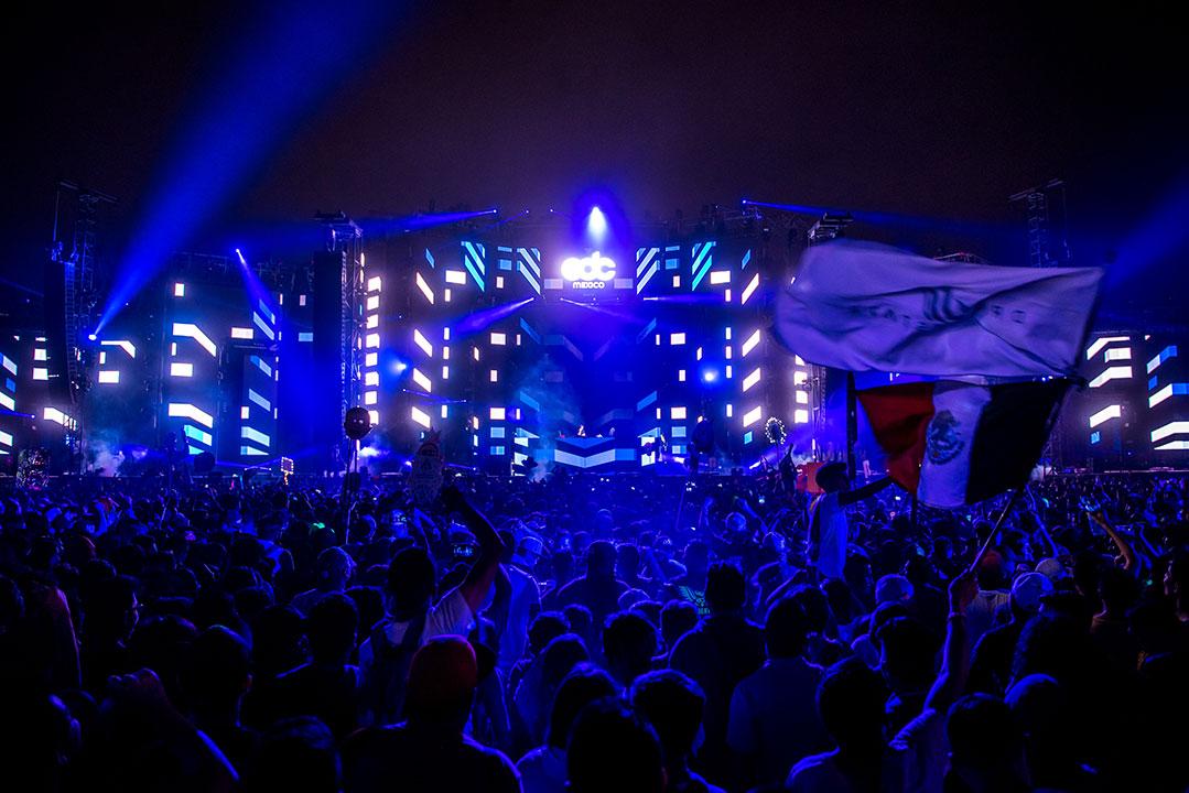 circuitGROUNDS glowing blue