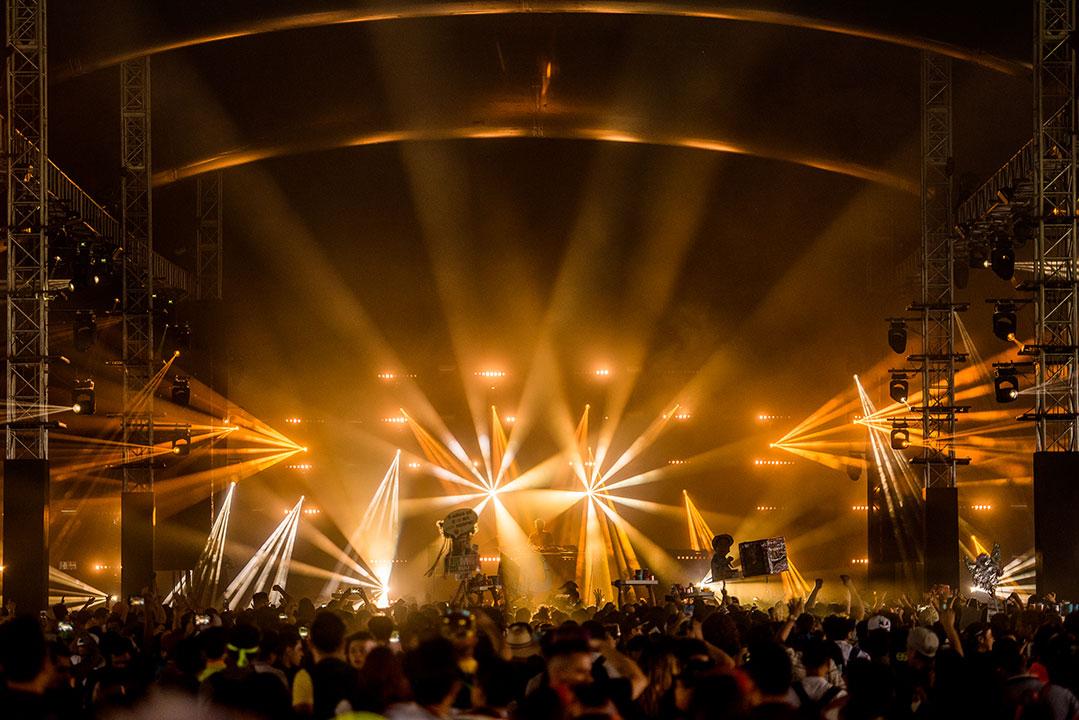 Orange lights at neonGARDEN