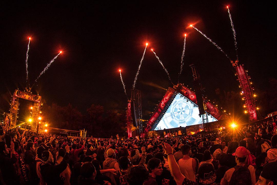 Fireworks over wasteLAND