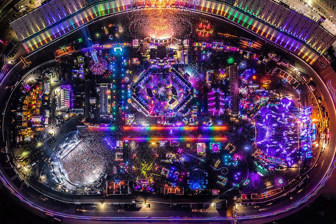 The magical circuitry of EDC, as seen only from above.