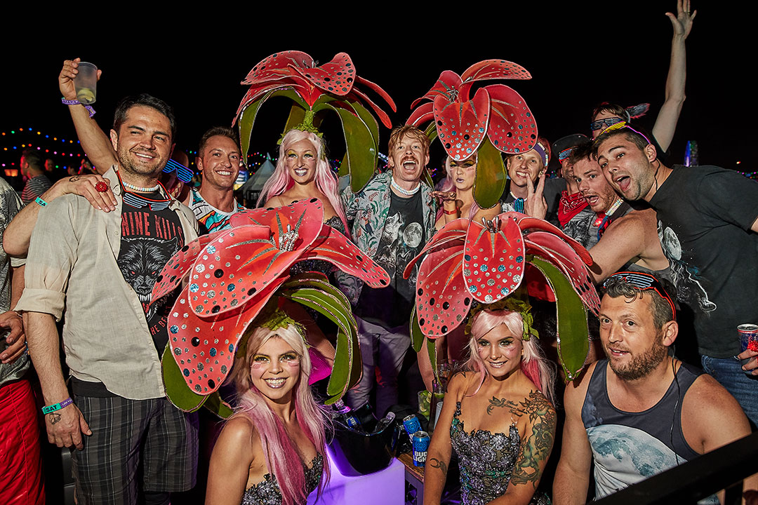 Headliners posing with performers
