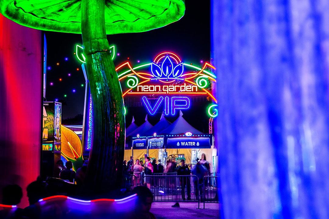 entry to neonGARDEN VIP