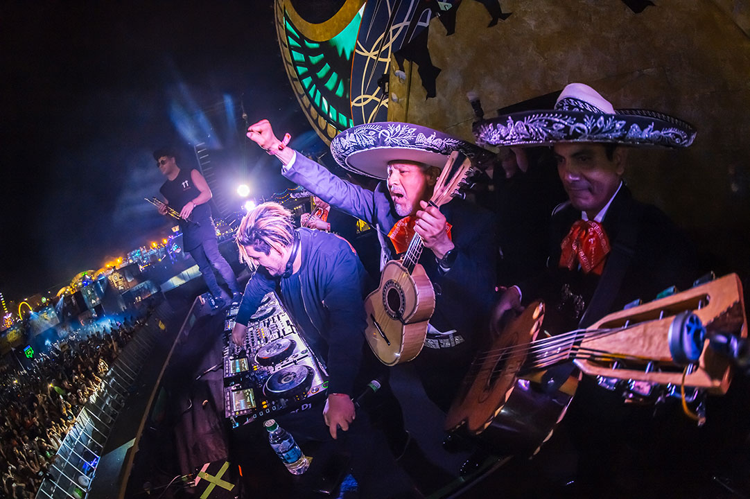 Mariachi guests onstage