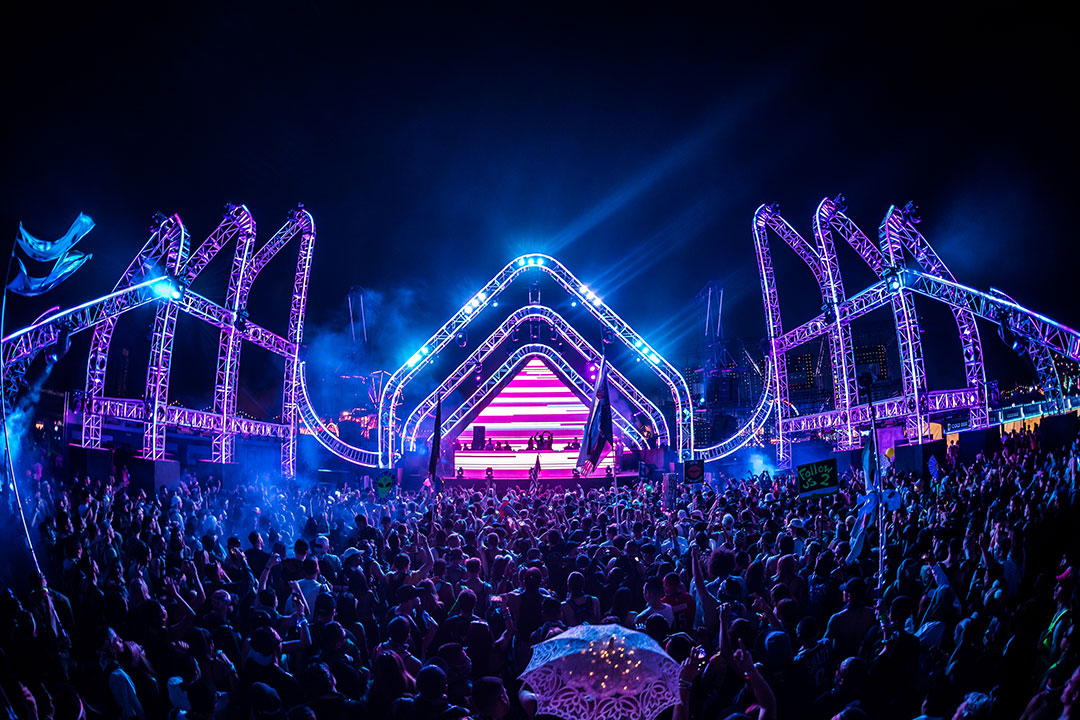 the stereoBLOOM stage lit up at night