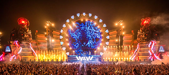 W&W playing kineticFIELD
