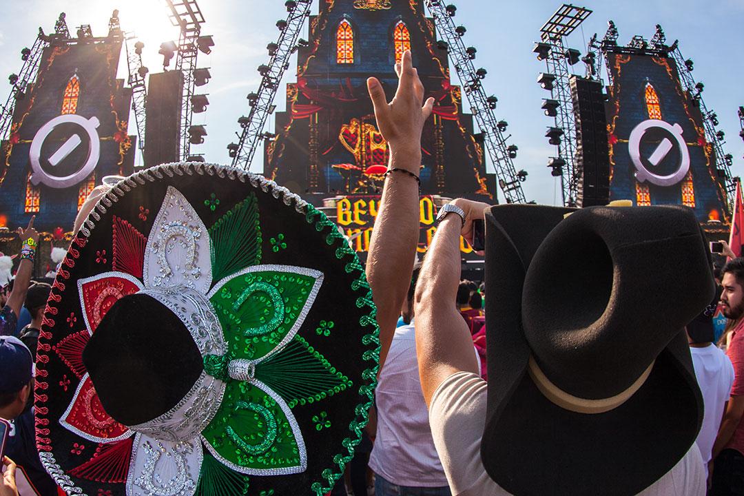 Fans in hats