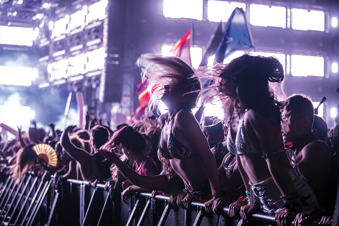 headliners headbanging