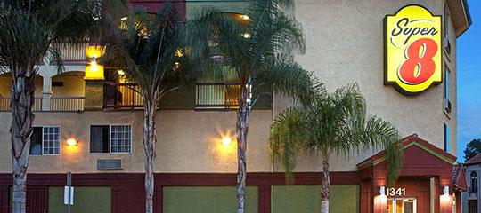 Super-8-by-Wyndham-Los-Angeles-Downtown