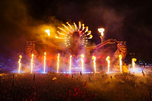 Fire plumes at kineticFIELD