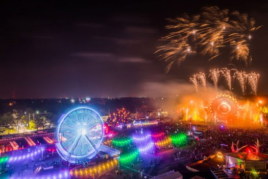 Lights from a Ferris wheel, Rainbow Road, and kineticFIELD