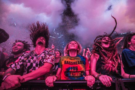 Headbangers in the front row