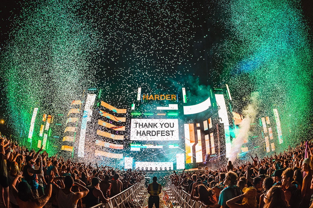 """Thank You Hardfest"" onscreen onstage"